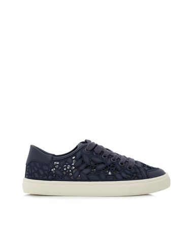 reebonz-tory-burch-rhea-lace-up-sneakers-tory-burch-2-a238ddbc-3558-4036-a792-b2b3b7924abd--1-